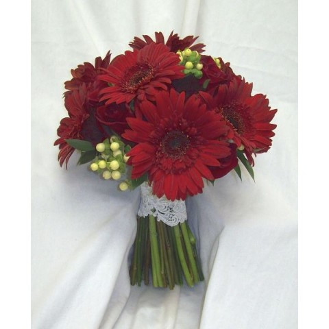 Devil Red Daisy Bouquet
